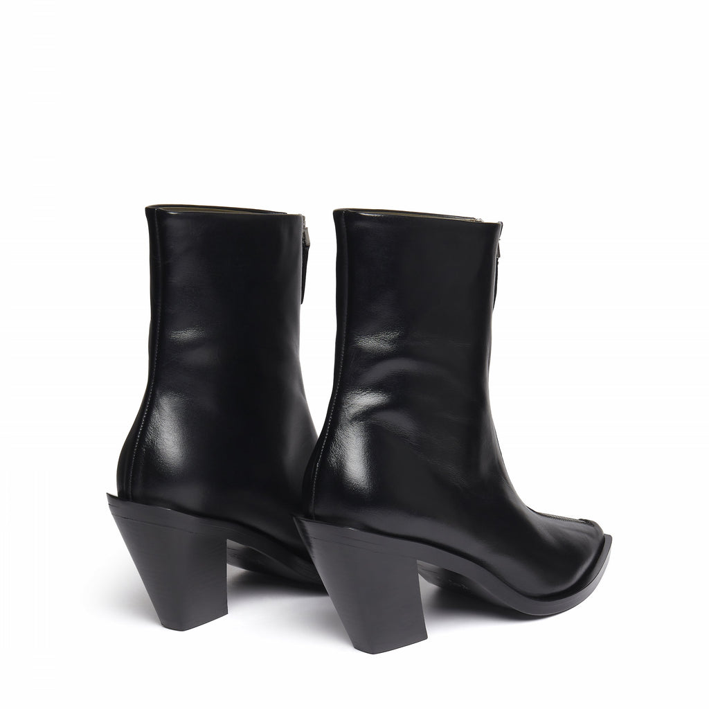 Eclair Zipper Boots Leather Black