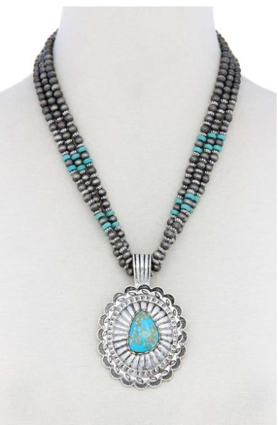 WESTERN CONCHO PENDANT BEADED NECKLACE