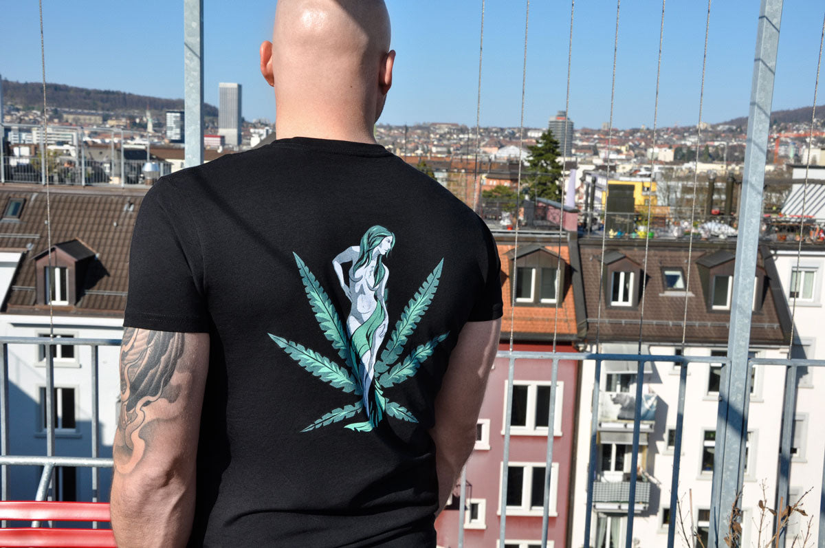 uWeed T-shirt - Cannabis Goddess - Black | uWeed | Fashion | uWeed | Swiss CBD Shop