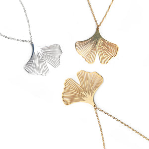 Mano Plus Clover Petal Necklace