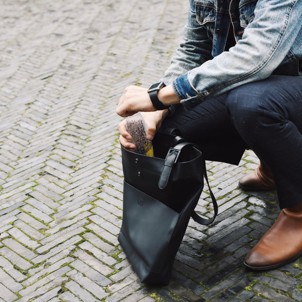 KIWEE Tote Bag: City Shuttle Series Sky Black