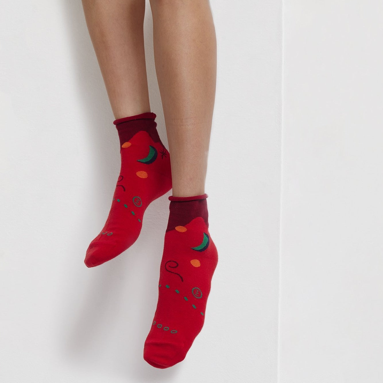 GOODPAIR SOCKS: PEEK-A-BOO MoonSun / Red