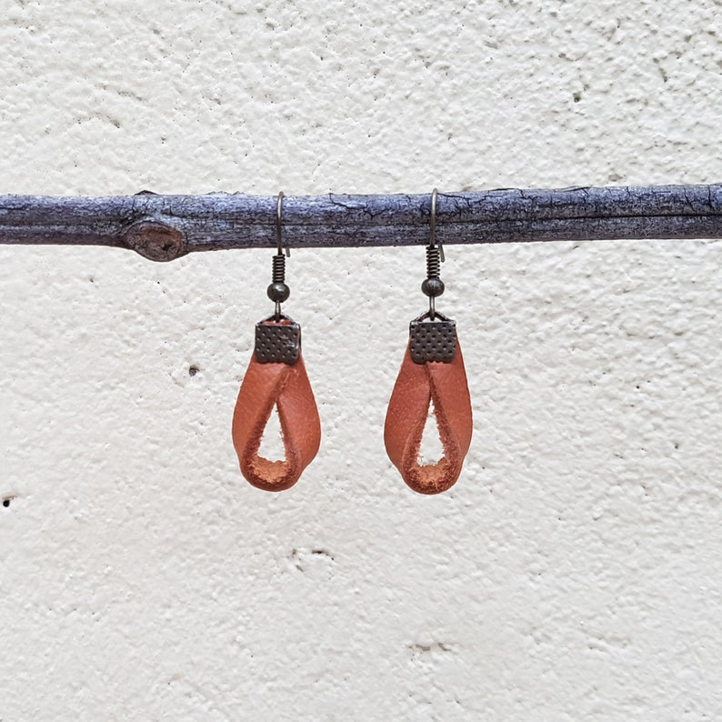 KINIES HANDMADE Earrings: Overlap Short