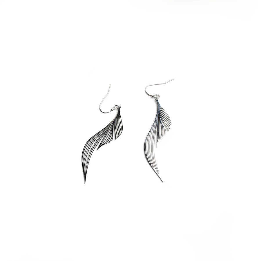 Willow Dangling Earrings