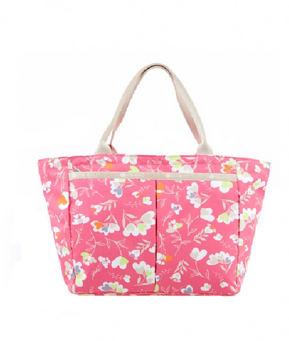 Small Everygirl Tote Media 1 of 2        2780_5b4bf01e-5a41-4c25-b3bc-e56f5dacfac5.png  565 × 651px  Small Everygirl Tote - Lovely Hearts | LeSportsac Malaysia