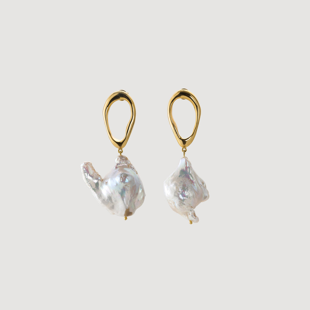 Drop Earrings w/Baroque Pearl - Gold