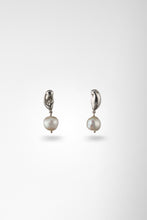 Pebble Studs with Pearl