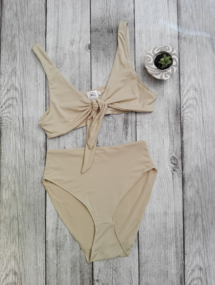 Knotty Bikini (Semi High Waisted Bottoms)