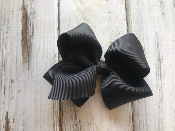 Black medium bow