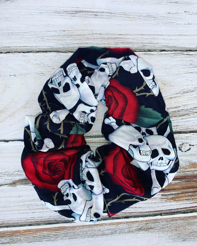Skulls and roses Scrunchie