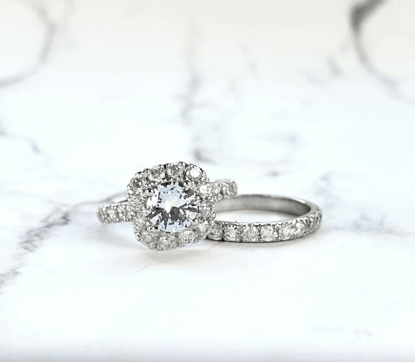 wedding set in white gold with diamonds