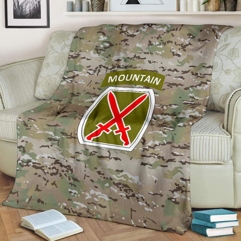 Image of fleece blanket 10th Mountain Division Camo Fleece Throw Blanket