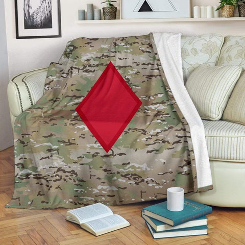 Image of fleece blanket 5th Infantry Division Camo Fleece Throw Blanket