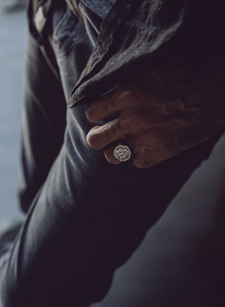 Dark Oxy Signet Ring