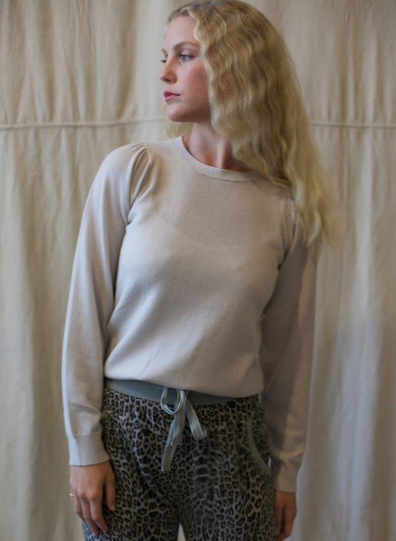 Puff Sleeve Crew in Moonbeam