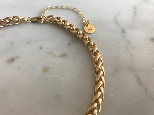 gold Choker, Thick choker, gold link choker,gold patterned chain choker, gold plated chain, gold plated choker, gold necklace, gold choker,gold linked chain, likned chain choker, thick choker chain,gold chain choker necklace,gold chain choker set,gold plated brass choker,dainty gold chain choker,chunky choker, chunky choker necklace, chunky chokers
