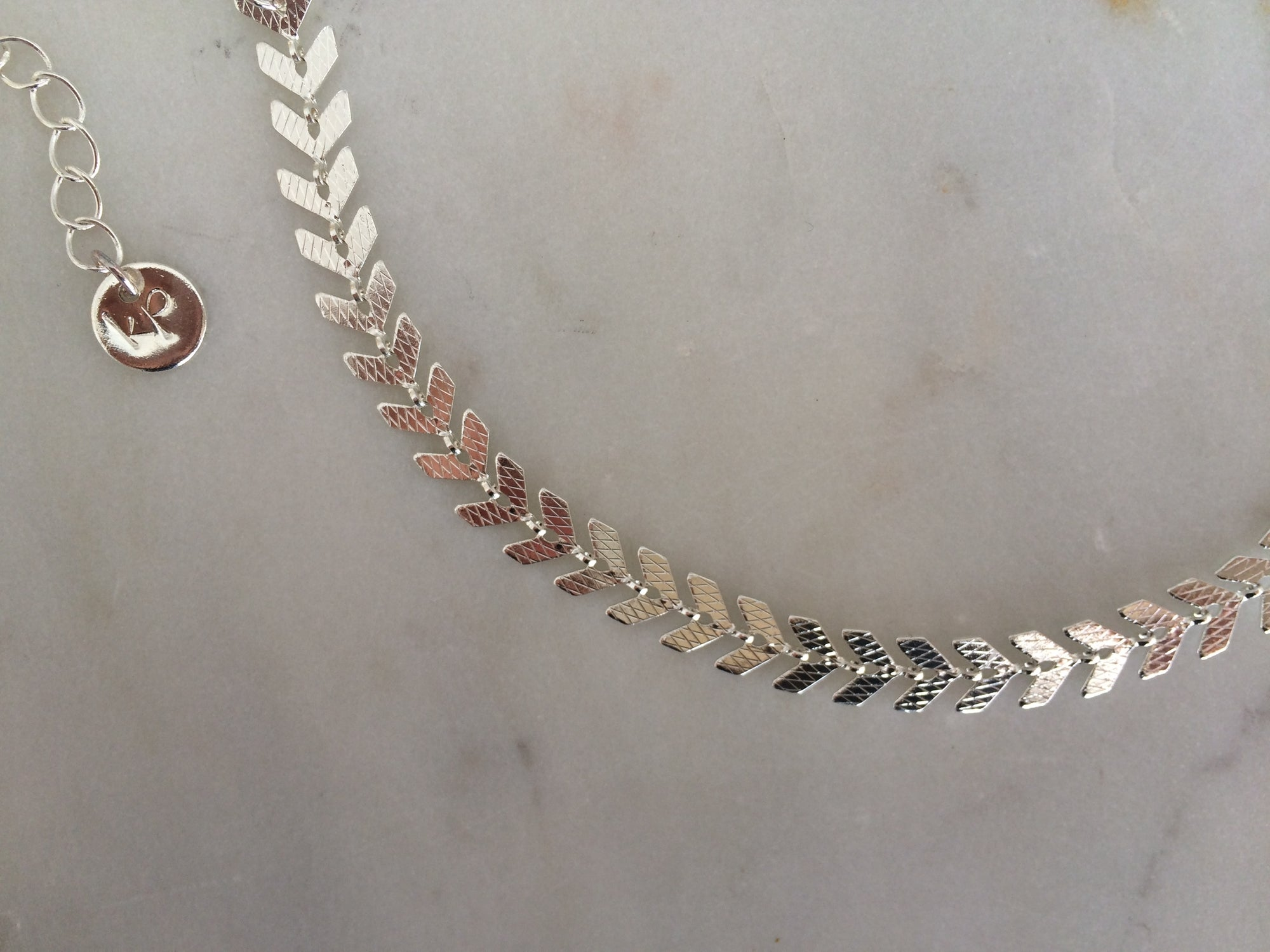 silver chokers, silver chains,silver bonefish chain,chain choker,silver choker,silver chains, silver necklace, shinny silver necklace, shinny silver choker, choker silver,