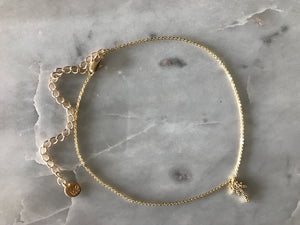 gold patterned chain choker, gold plated chain, gold plated choker, gold necklace, gold choker,gold linked chain, likned chain choker, thick choker chain,gold chain choker necklace,gold chain choker set,gold plated brass choker,dainty gold chain choker, palm tree choker, palm tree choker neccklace, palm tree necklace, palm tree charm, crystal palm tree, crystal charms, palm tree charm necklace, palmtrees chokers, ccalifornia choker, california necklace