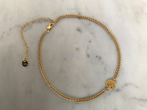 gold patterned chain choker, gold plated chain, gold plated choker, gold necklace, gold choker,gold linked chain, likned chain choker, thick choker chain,gold chain choker necklace,gold chain choker set,gold plated brass choker,dainty gold chain choker,coin chokers,coin cnecklaces,coin necklace,coin chokers,coin accesorries, coin jewelry,coins on chokers