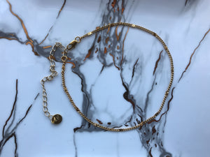 gold patterned chain choker, gold plated chain, gold plated choker, gold necklace, gold choker,gold linked chain, likned chain choker, thick choker chain,gold chain choker necklace,gold chain choker set,gold plated brass choker,dainty gold chain choker,patterned choker, thin choker, gold thin chian choker, gold thin chain necklace, simple choker necklace, simple choker
