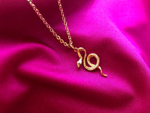 90s jewelry, 90slook, Gold snake necklace, snake charm, snake gold necklace, snake jewelry, pink snake