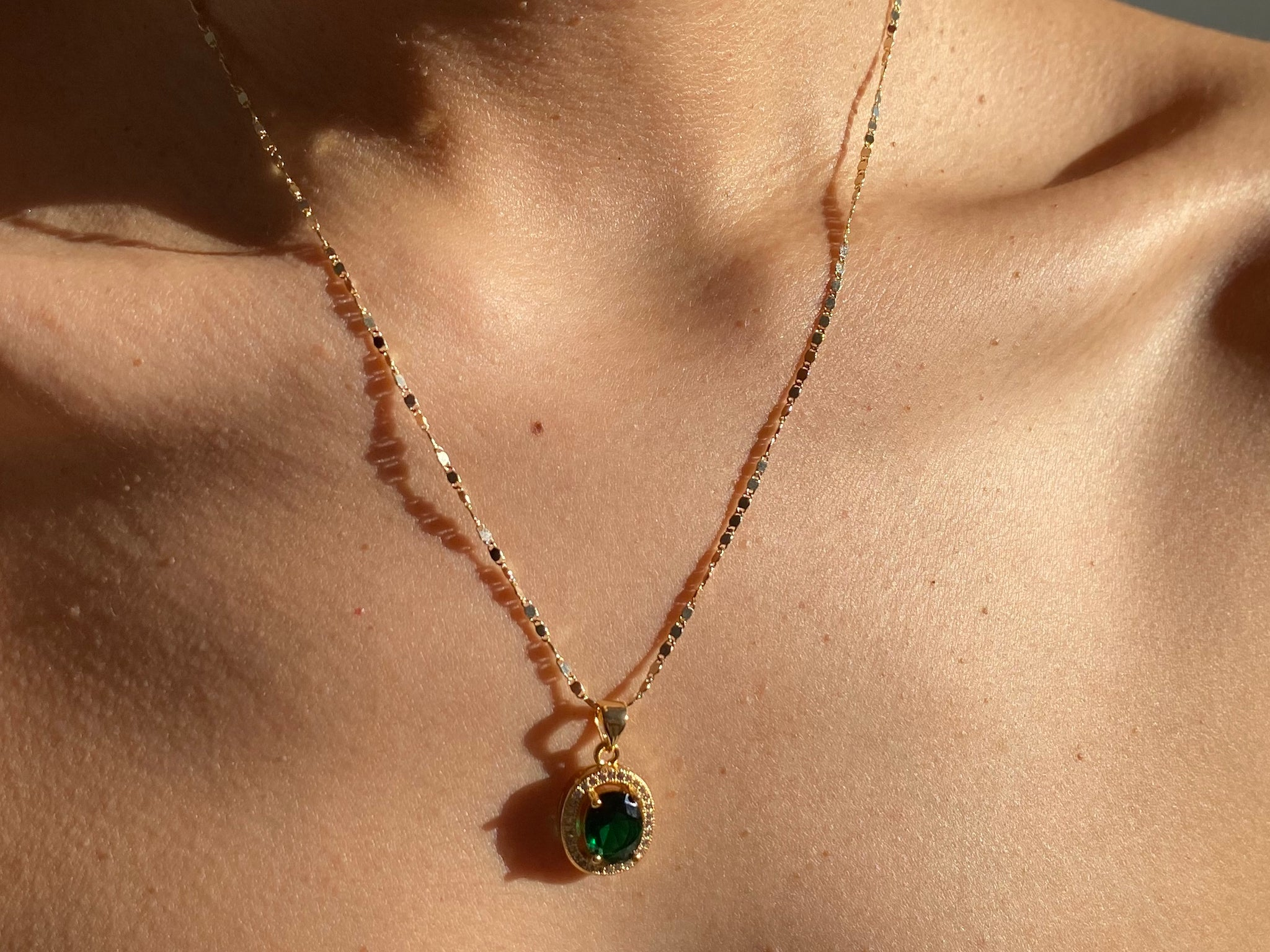Emerald stone, emerald necklace, gold necklace, gold jewelry, gold necklace, dainty necklace, green necklace