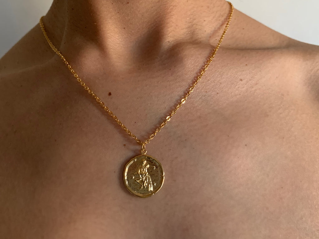 aquarius necklace, aquariusjewelry, aquarius,gold necklace, goldchoker, goldchain, astrology jewelry, zodiac jewelry