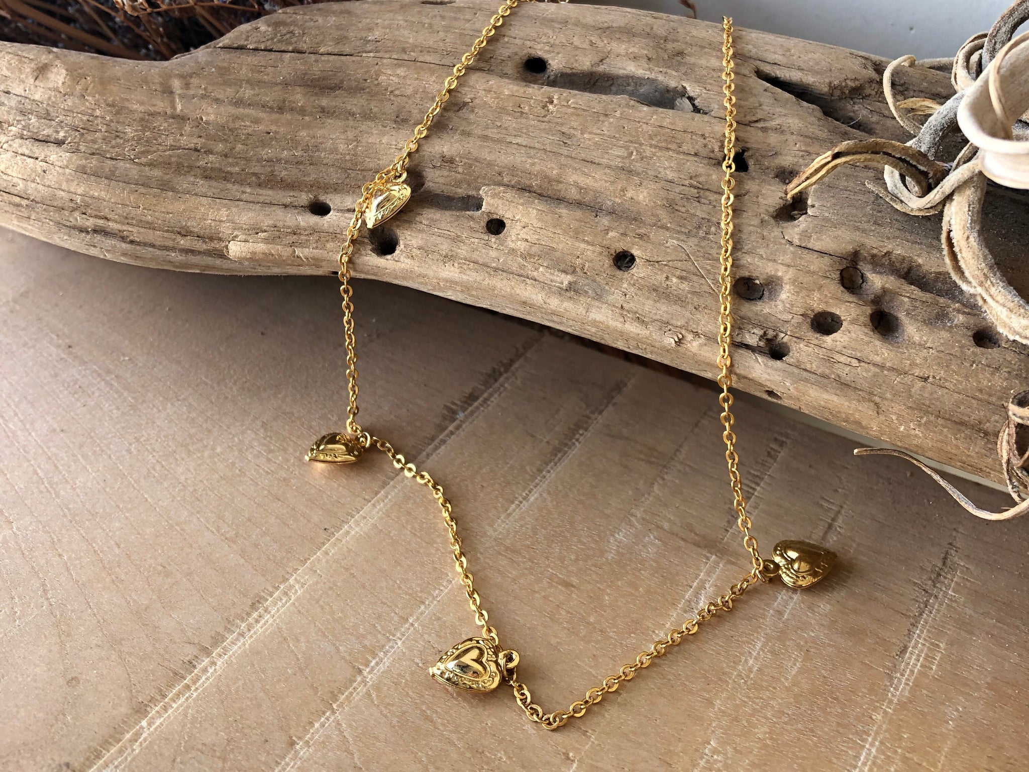 tiny heart necklace, gold necklace, goldchoker, goldchain, heart necklace, heart chain necklace, heart gold chain, heart jewelry, love jewelry, gift necklace