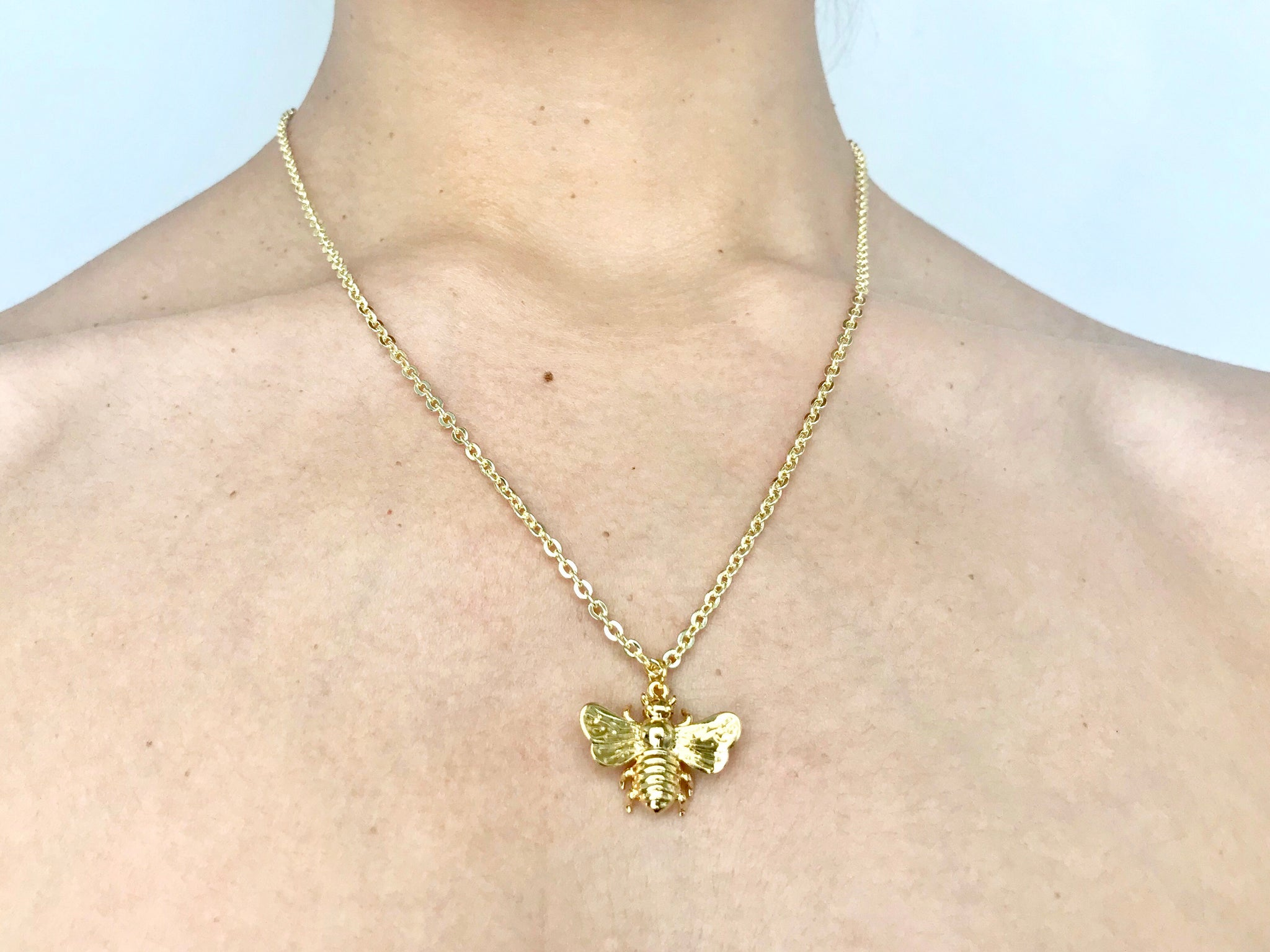 Abeille Large - (Bee necklace)