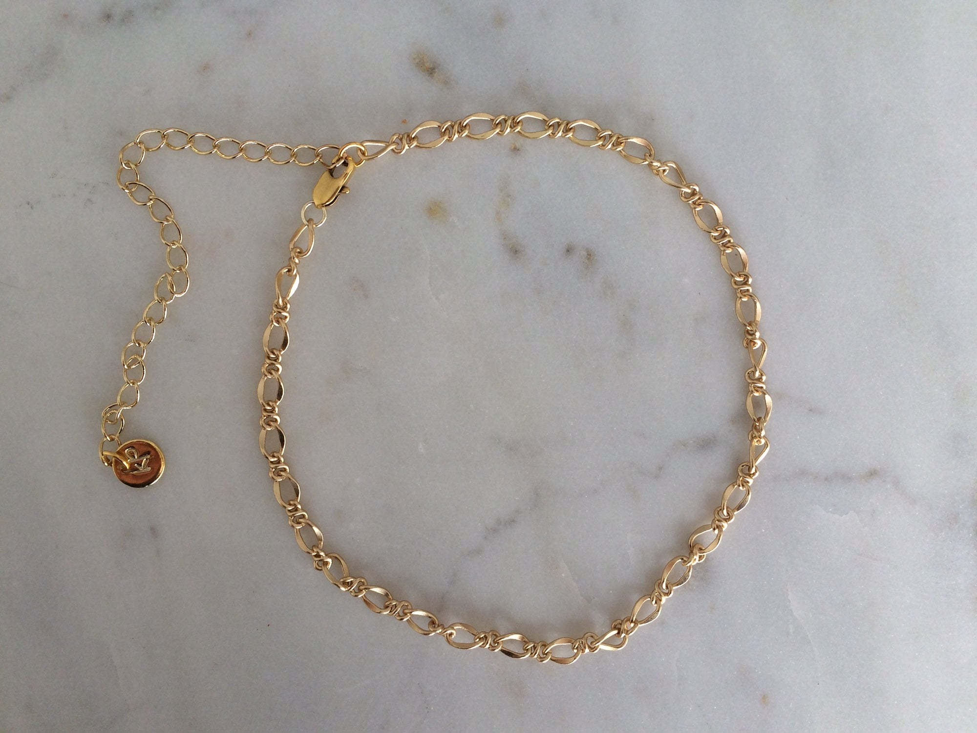 gold patterned chain choker, gold plated chain, gold plated choker, gold necklace, gold choker,gold linked chain, likned chain choker, thick choker chain,gold chain choker necklace,gold chain choker set,gold plated brass choker,dainty gold chain choker
