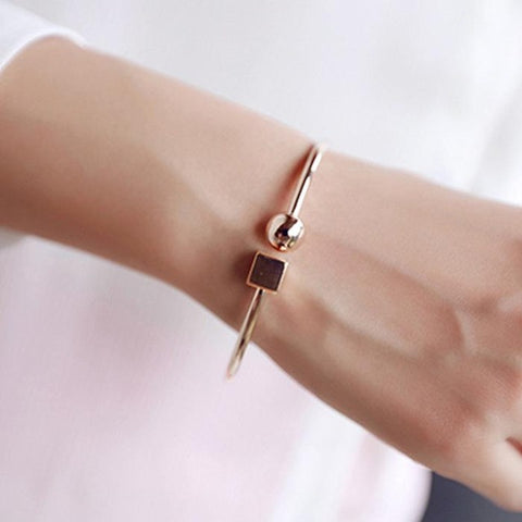 Rose Gold Circle Square Ladies Bracelet - Kawaii Treats