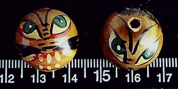 Painted wood face 20mnm round beads (lot of 2 beads)