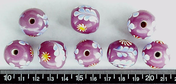 Purple lampwork glass 20mm round beads with decorative pattern (lot of 8 beads )