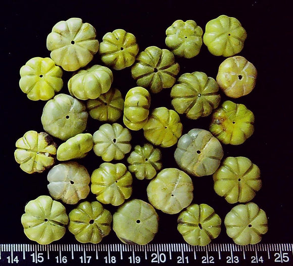Green serpentine graduated melon beads to 12mm x 30mm (28 beads)