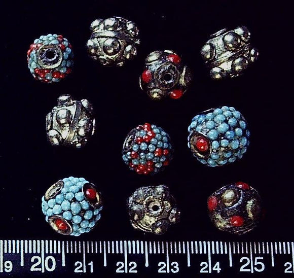 Mixed beads (5 pairs, largest 15mm)