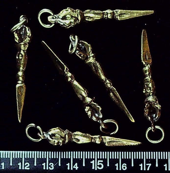 Brass drop pendant with skull and arrow (10mm x 40mm) set  of 6