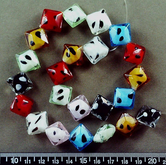 Mixed color glass with black accent square diamond beads (20mm linear) 16 in strand