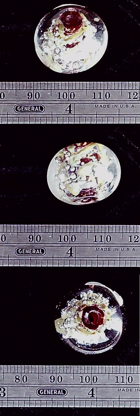 Glass bead with dark red core (1)
