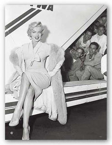 Marilyn Monroe in Airport by Sam Schulman
