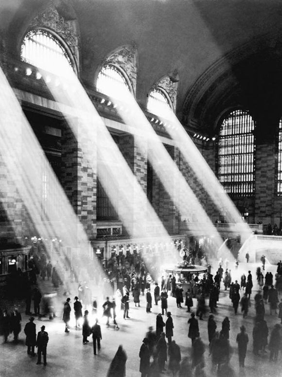 Grand Central Station by Kurt Hulton