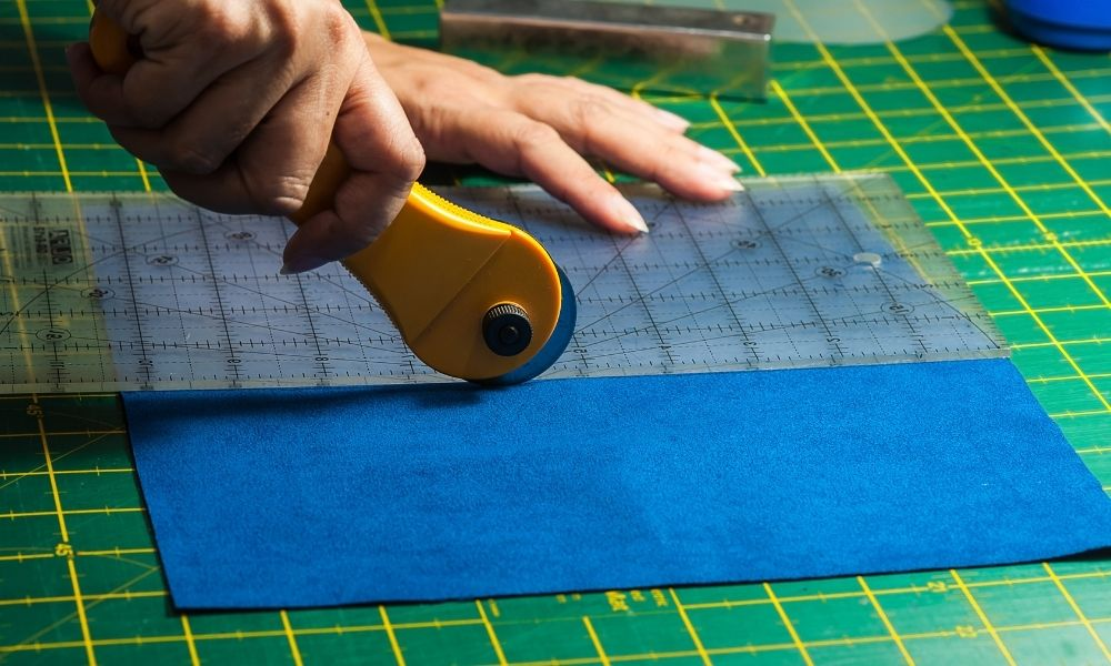 How To Achieve Straight Fabric Cuts Every Time