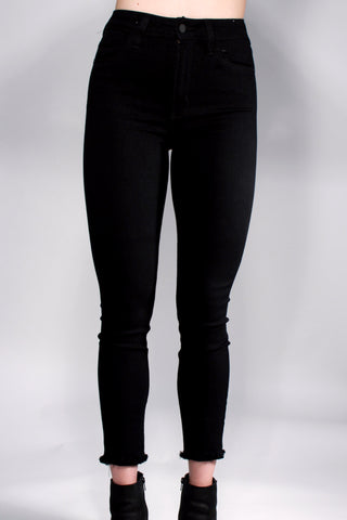 BLACK HIGH WAISTED DENIM WITH FRAYED HEM