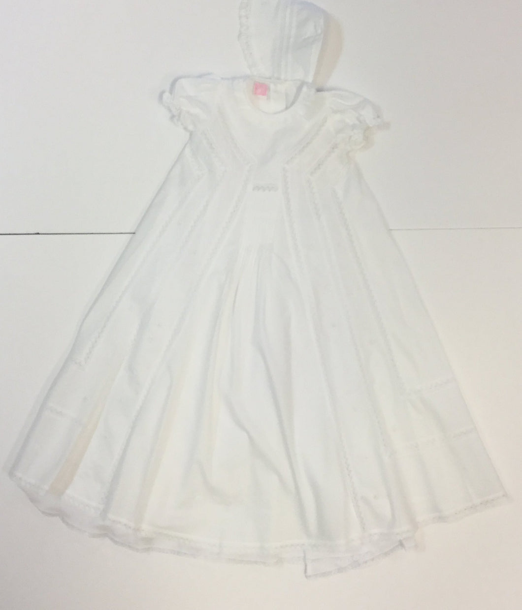 CHRISTENING GOWN  WITH SHORT SLEEVE AND HAT (008760)