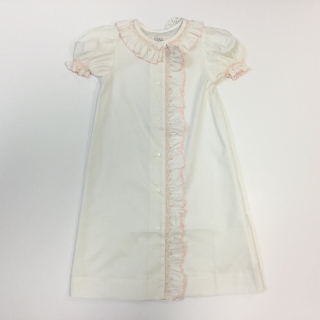 BUTTON DOWN FRONT DAY GOWN SMOCKED (010070)