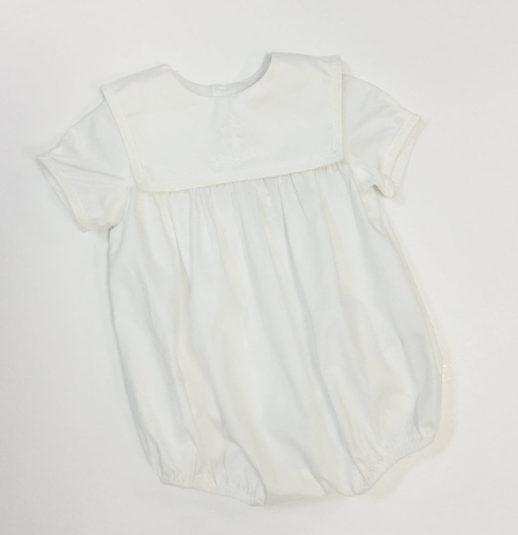 WHITE HOLY CROSS INFANT BUBBLE (020001)