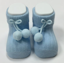 NEWBORN SOCKS WITH POM POMS (002226)