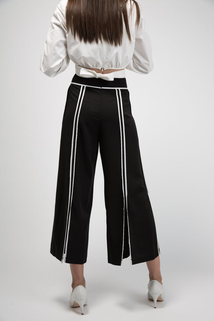 Culottes With White Pipping Side Split