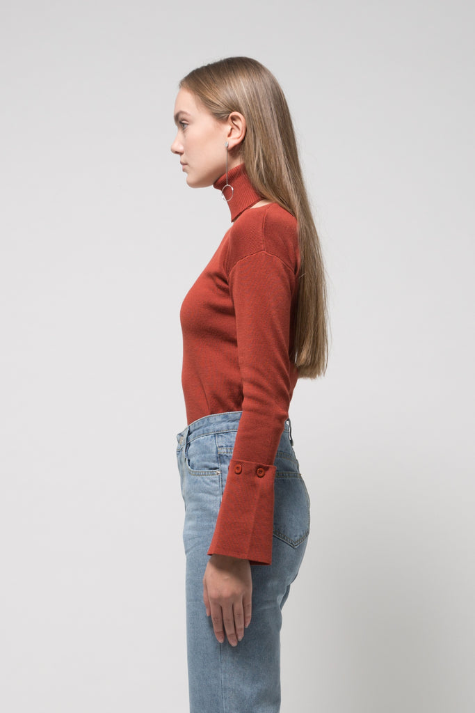 Flared Sleeve V Sweater with Chocker Brick