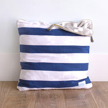 Navy Stripe 18""
