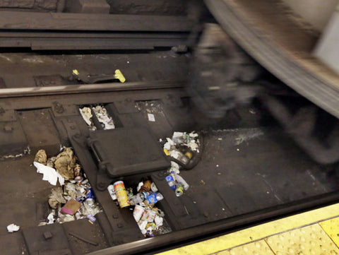 garbage in nyc subway